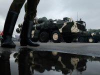 Беларусь отмечает День Независимости танками и шествиями